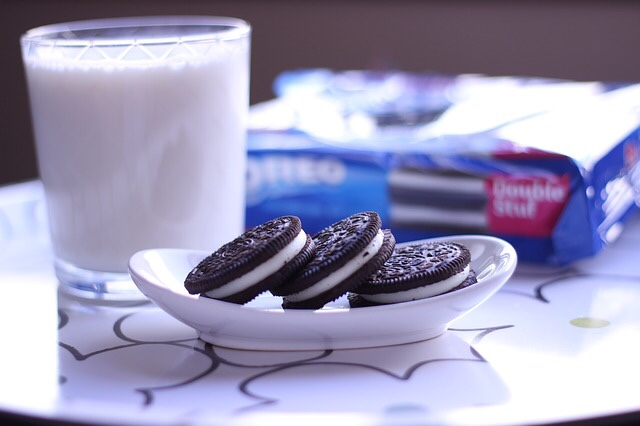 Oreos and a glass of milk