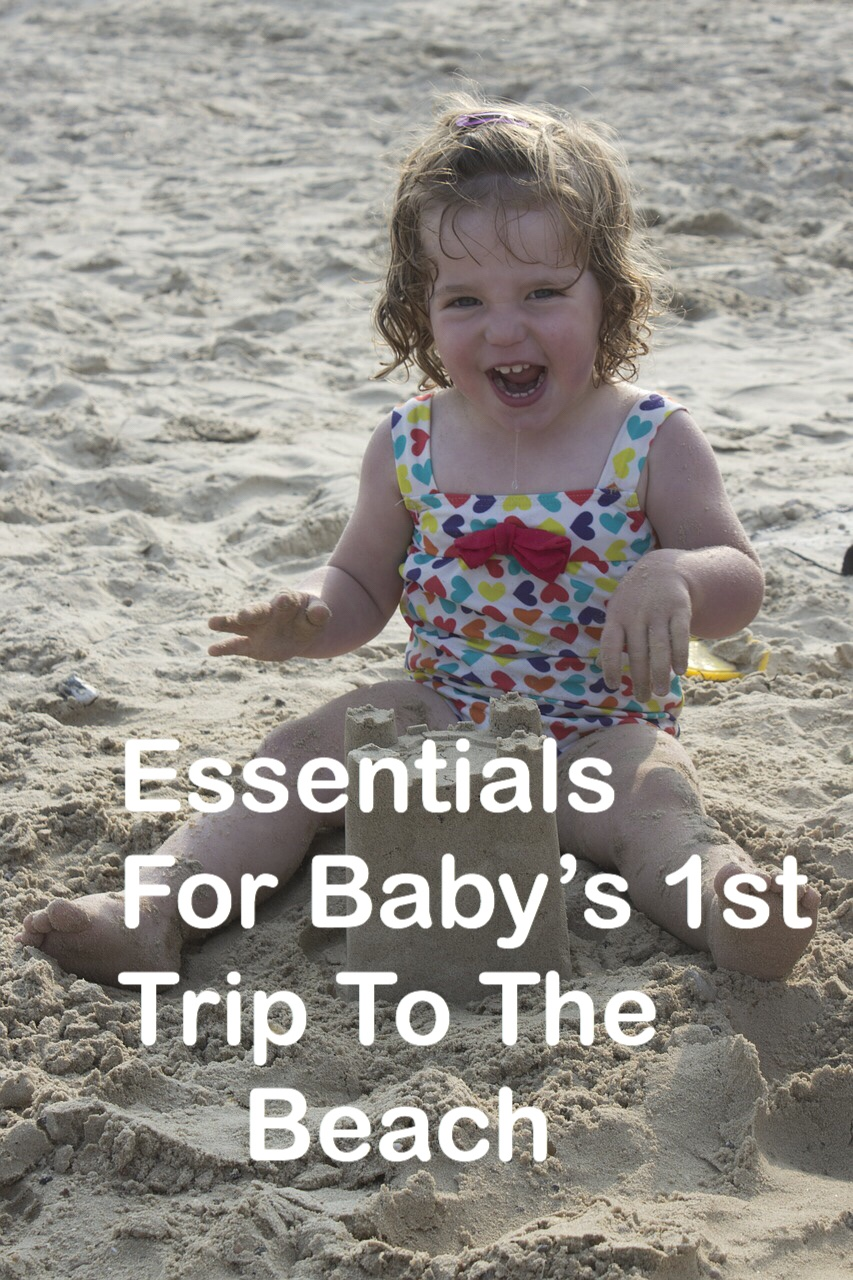 Essentials for baby's 1st trip to the beach (Pin)