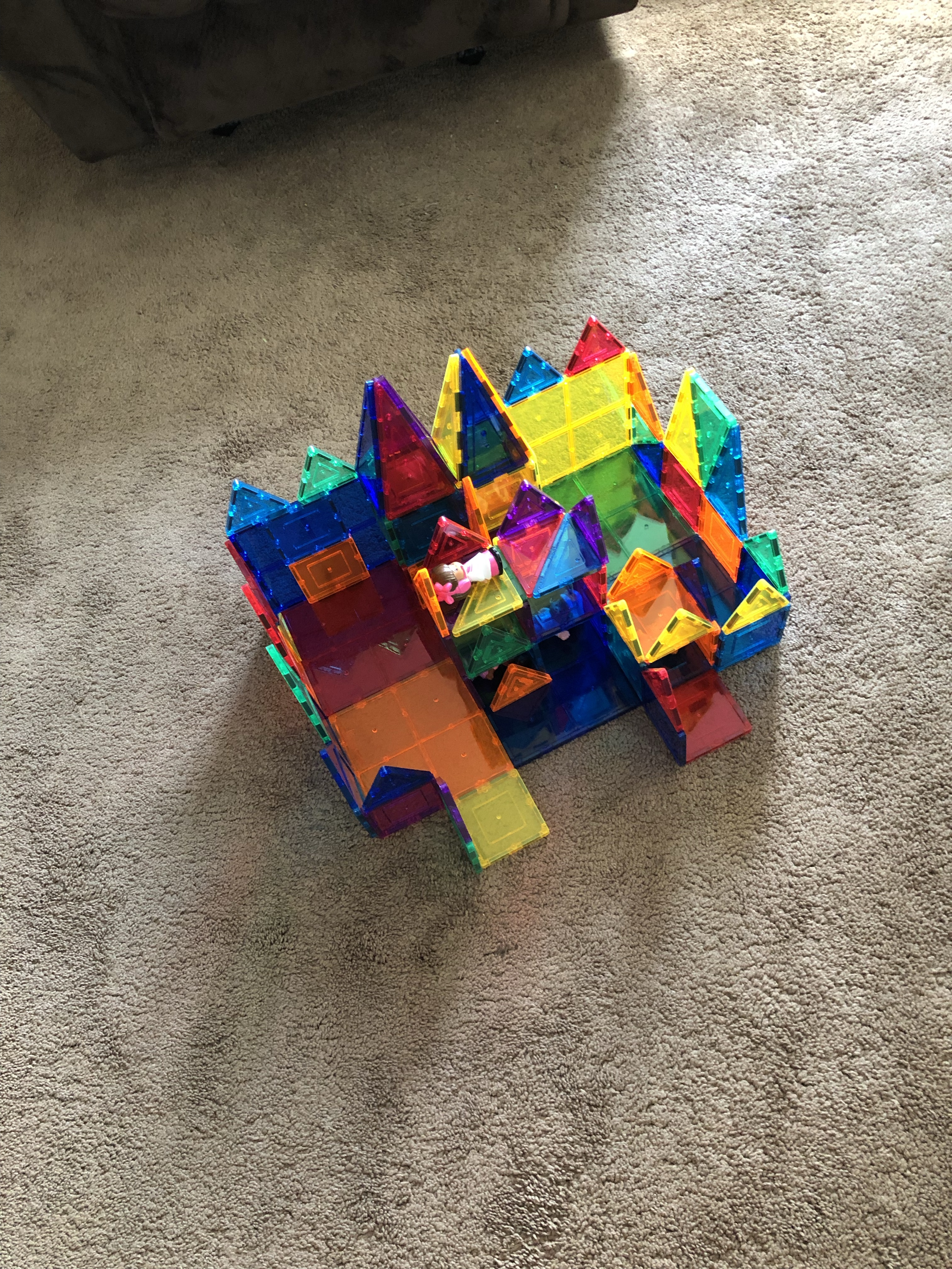 Magnet block castle